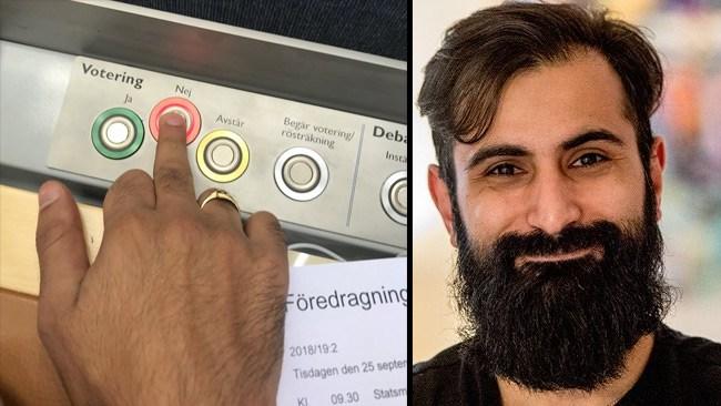 """""""Bye"""": Här ger Hanif Bali fingret till Stefan Löfven"""
