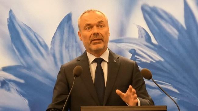 Björklund vänder Kristersson ryggen – vill se blocköverskridande samarbete