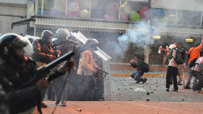 Näringslivets medieinstitut: SVT och SR underrapporterar orsakerna till krisen i Venezuela