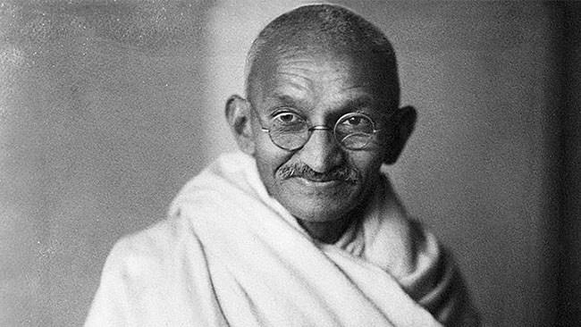 Studenter i Manchester vill stoppa staty av Gandhi som anklagas för rasism