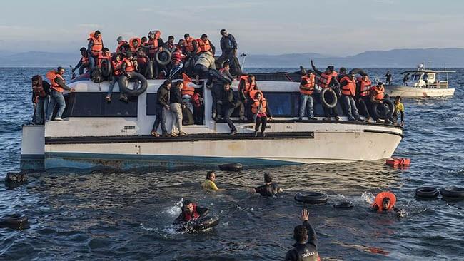 Greker i strejk mot överfulla migrantläger