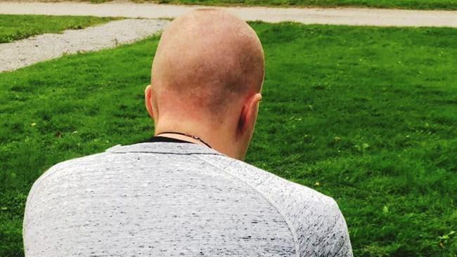 """Tommie Lindhs våldtagna vän: """"Jag vill verkligen veta varför polisen inte kom"""""""