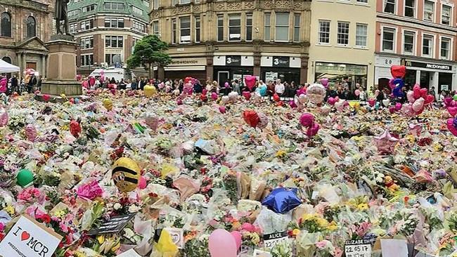 Säkerhetsvakt ingrep inte mot Manchesterbombare – var rädd att stämplas som rasist